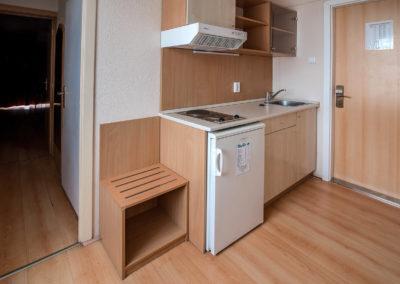 Superior apartman konyha a bejárat mellett