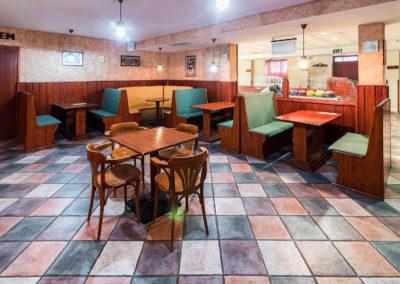 U-pub bár asztalok