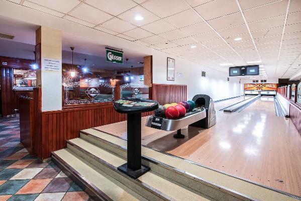 2 pályás bowling